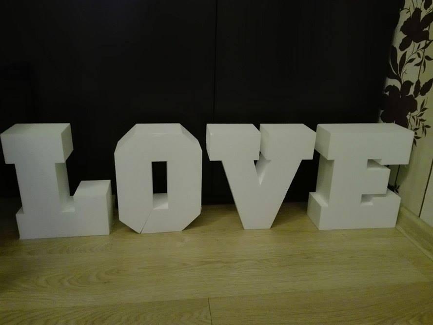 Litery LOVE